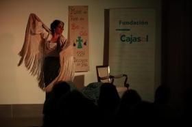 "Del Teatro al Cole 2018 en Córdoba: 'Sinsabores de una bata de cola' (6) • <a style=""font-size:0.8em;"" href=""http://www.flickr.com/photos/129072575@N05/30675905588/"" target=""_blank"">View on Flickr</a>"