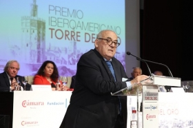 "Entrega del Premio Iberoamericano Torre del Oro 2018 (2) • <a style=""font-size:0.8em;"" href=""http://www.flickr.com/photos/129072575@N05/30164578097/"" target=""_blank"">View on Flickr</a>"