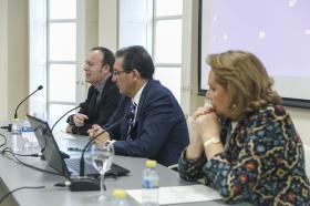 "Jornadas sobre Responsabilidad Social en el Tercer Sector desde la Fundación Cajasol (10) • <a style=""font-size:0.8em;"" href=""http://www.flickr.com/photos/129072575@N05/34360017606/"" target=""_blank"">View on Flickr</a>"