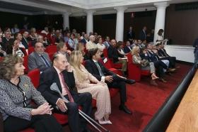 "Entrega V Premio Carrusel Taurino en la Fundación Cajasol (2) • <a style=""font-size:0.8em;"" href=""http://www.flickr.com/photos/129072575@N05/34256282711/"" target=""_blank"">View on Flickr</a>"