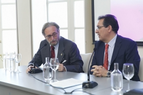 """Encuentro de Embajadores en la Fundación Cajasol: Yuri Korchagin (14) • <a style=""""font-size:0.8em;"""" href=""""http://www.flickr.com/photos/129072575@N05/33592494033/"""" target=""""_blank"""">View on Flickr</a>"""
