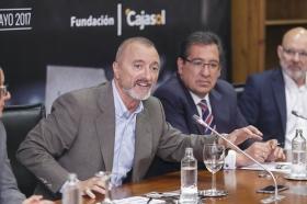 """Presentación de 'Letras en Sevilla' en la Fundación Cajasol (14) • <a style=""""font-size:0.8em;"""" href=""""http://www.flickr.com/photos/129072575@N05/33768803294/"""" target=""""_blank"""">View on Flickr</a>"""