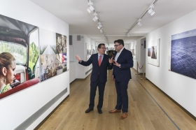 "Exposición World Press Photo 2017 en la Fundación Cajasol (23) • <a style=""font-size:0.8em;"" href=""http://www.flickr.com/photos/129072575@N05/34017692160/"" target=""_blank"">View on Flickr</a>"