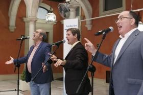 """Presentación del disco 'Por sevillanas' en la Fundación Cajasol (2) • <a style=""""font-size:0.8em;"""" href=""""http://www.flickr.com/photos/129072575@N05/33591766363/"""" target=""""_blank"""">View on Flickr</a>"""