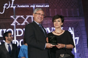 "XXII Premio de Novela Fernando Lara (6) • <a style=""font-size:0.8em;"" href=""http://www.flickr.com/photos/129072575@N05/34607791802/"" target=""_blank"">View on Flickr</a>"