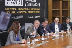 """Presentación de 'Letras en Sevilla' en la Fundación Cajasol (15) • <a style=""""font-size:0.8em;"""" href=""""http://www.flickr.com/photos/129072575@N05/34611740305/"""" target=""""_blank"""">View on Flickr</a>"""