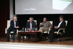 "Letras en Sevilla: Mesa redonda sobre hispanistas (15) • <a style=""font-size:0.8em;"" href=""http://www.flickr.com/photos/129072575@N05/33919530783/"" target=""_blank"">View on Flickr</a>"