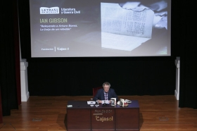 "Letras en Sevilla: Ian Gibson (11) • <a style=""font-size:0.8em;"" href=""http://www.flickr.com/photos/129072575@N05/34578388961/"" target=""_blank"">View on Flickr</a>"