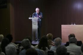 "Letras en Sevilla: Juan Pablo Fusi (23) • <a style=""font-size:0.8em;"" href=""http://www.flickr.com/photos/129072575@N05/34689840175/"" target=""_blank"">View on Flickr</a>"