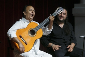"Jueves Flamencos de la Fundación Cajasol: Manuel Moreno 'El Pele' (29) • <a style=""font-size:0.8em;"" href=""http://www.flickr.com/photos/129072575@N05/35028190332/"" target=""_blank"">View on Flickr</a>"