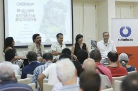 """Presentación de la revista nº16 de eldiario.es 'La ciudad civilizada' en la Fundación Cajasol (13) • <a style=""""font-size:0.8em;"""" href=""""http://www.flickr.com/photos/129072575@N05/35046391735/"""" target=""""_blank"""">View on Flickr</a>"""