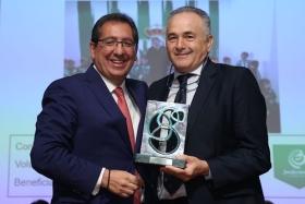 """Entrega de los Premios AFA 2017 en la Fundación Cajasol (7) • <a style=""""font-size:0.8em;"""" href=""""http://www.flickr.com/photos/129072575@N05/35297793392/"""" target=""""_blank"""">View on Flickr</a>"""