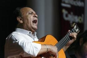 "Jueves Flamencos de la Fundación Cajasol: Manuel Moreno 'El Pele' (27) • <a style=""font-size:0.8em;"" href=""http://www.flickr.com/photos/129072575@N05/35028190132/"" target=""_blank"">View on Flickr</a>"