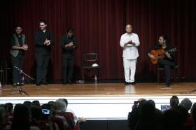 "Jueves Flamencos de la Fundación Cajasol: Manuel Moreno 'El Pele' (26) • <a style=""font-size:0.8em;"" href=""http://www.flickr.com/photos/129072575@N05/34383945533/"" target=""_blank"">View on Flickr</a>"