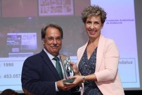 """Entrega de los Premios AFA 2017 en la Fundación Cajasol (5) • <a style=""""font-size:0.8em;"""" href=""""http://www.flickr.com/photos/129072575@N05/35424480856/"""" target=""""_blank"""">View on Flickr</a>"""