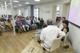 """Presentación de la revista nº16 de eldiario.es 'La ciudad civilizada' en la Fundación Cajasol (3) • <a style=""""font-size:0.8em;"""" href=""""http://www.flickr.com/photos/129072575@N05/35005866746/"""" target=""""_blank"""">View on Flickr</a>"""