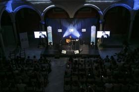 """Concierto de Revólver en la Fundación Cajasol (10) • <a style=""""font-size:0.8em;"""" href=""""http://www.flickr.com/photos/129072575@N05/35353399981/"""" target=""""_blank"""">View on Flickr</a>"""