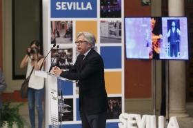 """Presentación de la Memoria 2016 de la Fundación Cajasol (75) • <a style=""""font-size:0.8em;"""" href=""""http://www.flickr.com/photos/129072575@N05/35145099985/"""" target=""""_blank"""">View on Flickr</a>"""