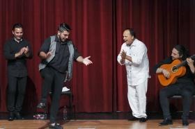 "Jueves Flamencos de la Fundación Cajasol: Manuel Moreno 'El Pele' (24) • <a style=""font-size:0.8em;"" href=""http://www.flickr.com/photos/129072575@N05/35193501325/"" target=""_blank"">View on Flickr</a>"
