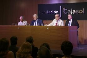 "Foro Andaluz Nueva Sociedad: 'Cataluña en la encrucijada' (12) • <a style=""font-size:0.8em;"" href=""http://www.flickr.com/photos/129072575@N05/35313200271/"" target=""_blank"">View on Flickr</a>"