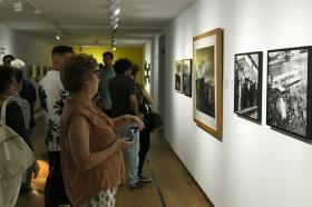 """Exposición ¡¿Éramos tan modernos?! en la Sala Murillo de la Fundación Cajasol (2) • <a style=""""font-size:0.8em;"""" href=""""http://www.flickr.com/photos/129072575@N05/35873362225/"""" target=""""_blank"""">View on Flickr</a>"""