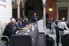 "Desayuno Informativo de Europa Press: Juan Espadas (2) • <a style=""font-size:0.8em;"" href=""http://www.flickr.com/photos/129072575@N05/37288742851/"" target=""_blank"">View on Flickr</a>"