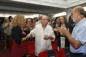 """Estreno de la película documental 'Salvador Távora: La excepción' en la Fundación Cajasol (6) • <a style=""""font-size:0.8em;"""" href=""""http://www.flickr.com/photos/129072575@N05/37260277722/"""" target=""""_blank"""">View on Flickr</a>"""