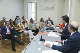 """Presentación del Libro Blanco 'La Educación importa', elaborado por la CEOE, en la Fundación Cajasol (5) • <a style=""""font-size:0.8em;"""" href=""""http://www.flickr.com/photos/129072575@N05/37096323371/"""" target=""""_blank"""">View on Flickr</a>"""
