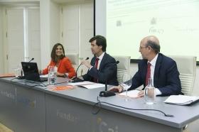 """Presentación del Libro Blanco 'La Educación importa', elaborado por la CEOE, en la Fundación Cajasol (7) • <a style=""""font-size:0.8em;"""" href=""""http://www.flickr.com/photos/129072575@N05/36841250530/"""" target=""""_blank"""">View on Flickr</a>"""