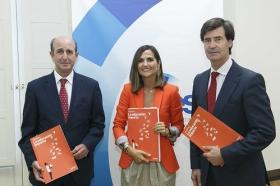 """Presentación del Libro Blanco 'La Educación importa', elaborado por la CEOE, en la Fundación Cajasol • <a style=""""font-size:0.8em;"""" href=""""http://www.flickr.com/photos/129072575@N05/37096322121/"""" target=""""_blank"""">View on Flickr</a>"""