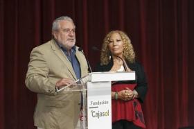 """Estreno de la película documental 'Salvador Távora: La excepción' en la Fundación Cajasol (12) • <a style=""""font-size:0.8em;"""" href=""""http://www.flickr.com/photos/129072575@N05/37260282212/"""" target=""""_blank"""">View on Flickr</a>"""