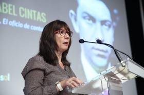 """Letras en Sevilla: 'Chaves Nogales, una tragedia española' con María Isabel Cintas (8) • <a style=""""font-size:0.8em;"""" href=""""http://www.flickr.com/photos/129072575@N05/37335502394/"""" target=""""_blank"""">View on Flickr</a>"""