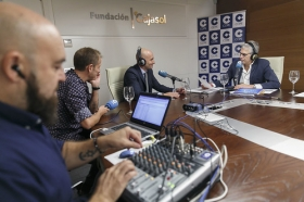 "Entrevista a Antonio Pulido en COPE Sevilla (3) • <a style=""font-size:0.8em;"" href=""http://www.flickr.com/photos/129072575@N05/37373499030/"" target=""_blank"">View on Flickr</a>"