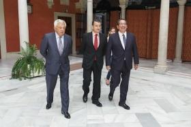 """Visita del Embajador de Bulgaria en España a la Fundación Cajasol (24) • <a style=""""font-size:0.8em;"""" href=""""http://www.flickr.com/photos/129072575@N05/37913601532/"""" target=""""_blank"""">View on Flickr</a>"""