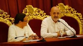 """Conferencia de Sebastián Álvaro 'Derribando mitos. Al filo de lo imposible' en Cádiz (8) • <a style=""""font-size:0.8em;"""" href=""""http://www.flickr.com/photos/129072575@N05/36875275963/"""" target=""""_blank"""">View on Flickr</a>"""