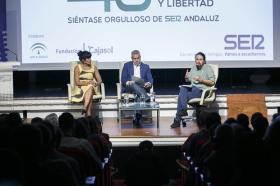 """Antonio Pulido, presidente de la Fundación Cajasol, inauguró esta nueva cita organizada por la Cadena SER Andalucía con el secretario general de Podemos y la coordinadora andaluza • <a style=""""font-size:0.8em;"""" href=""""http://www.flickr.com/photos/129072575@N05/37806867321/"""" target=""""_blank"""">View on Flickr</a>"""