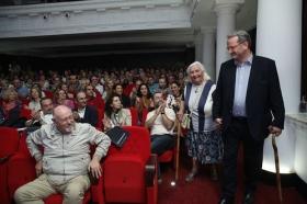 """Letras en Sevilla: 'Chaves Nogales, una tragedia española' con María Isabel Cintas (2) • <a style=""""font-size:0.8em;"""" href=""""http://www.flickr.com/photos/129072575@N05/37335502104/"""" target=""""_blank"""">View on Flickr</a>"""