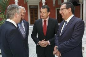 """Visita del Embajador de Bulgaria en España a la Fundación Cajasol (23) • <a style=""""font-size:0.8em;"""" href=""""http://www.flickr.com/photos/129072575@N05/24093115908/"""" target=""""_blank"""">View on Flickr</a>"""