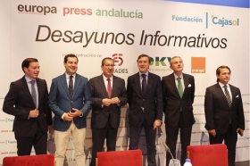 "Desayuno Informativo de Europa Press: Rafael Hernando • <a style=""font-size:0.8em;"" href=""http://www.flickr.com/photos/129072575@N05/23678740098/"" target=""_blank"">View on Flickr</a>"