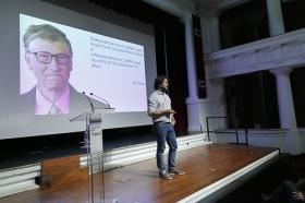 "Jornada 'El Futuro es Hoy' en la Fundación Cajasol (7) • <a style=""font-size:0.8em;"" href=""http://www.flickr.com/photos/129072575@N05/24093102088/"" target=""_blank"">View on Flickr</a>"