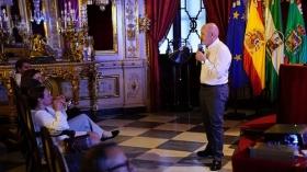 """Conferencia de Sebastián Álvaro 'Derribando mitos. Al filo de lo imposible' en Cádiz • <a style=""""font-size:0.8em;"""" href=""""http://www.flickr.com/photos/129072575@N05/37513539572/"""" target=""""_blank"""">View on Flickr</a>"""