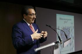 """Presentación del libro 'Hermandades 360º' en la Fundación Cajasol (8) • <a style=""""font-size:0.8em;"""" href=""""http://www.flickr.com/photos/129072575@N05/37100890453/"""" target=""""_blank"""">View on Flickr</a>"""