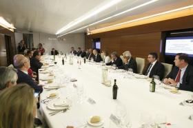 """Visita del Embajador de Bulgaria en España a la Fundación Cajasol (5) • <a style=""""font-size:0.8em;"""" href=""""http://www.flickr.com/photos/129072575@N05/24093094128/"""" target=""""_blank"""">View on Flickr</a>"""