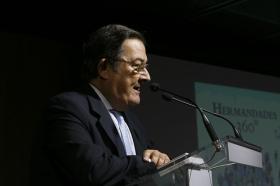 """Presentación del libro 'Hermandades 360º' en la Fundación Cajasol (2) • <a style=""""font-size:0.8em;"""" href=""""http://www.flickr.com/photos/129072575@N05/37100889933/"""" target=""""_blank"""">View on Flickr</a>"""