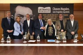 "Rueda de prensa 'Letras en Sevilla': Chaves Nogales, una tragedia española • <a style=""font-size:0.8em;"" href=""http://www.flickr.com/photos/129072575@N05/37353738724/"" target=""_blank"">View on Flickr</a>"