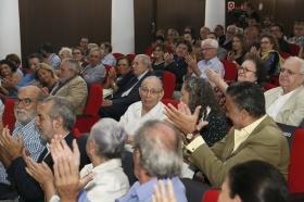 """Estreno de la película documental 'Salvador Távora: La excepción' en la Fundación Cajasol (14) • <a style=""""font-size:0.8em;"""" href=""""http://www.flickr.com/photos/129072575@N05/37242693036/"""" target=""""_blank"""">View on Flickr</a>"""