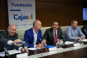 """Presentación de la exposición y subasta 'Artistas contra el hambre' en la Fundación Cajasol (12) • <a style=""""font-size:0.8em;"""" href=""""http://www.flickr.com/photos/129072575@N05/37426598114/"""" target=""""_blank"""">View on Flickr</a>"""