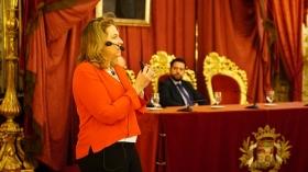 """Conferencia de Sarah Harmon en 'De Cádiz al Mundo' (7) • <a style=""""font-size:0.8em;"""" href=""""http://www.flickr.com/photos/129072575@N05/37426604094/"""" target=""""_blank"""">View on Flickr</a>"""