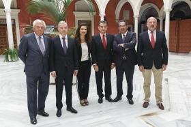 """Visita del Embajador de Bulgaria en España a la Fundación Cajasol (21) • <a style=""""font-size:0.8em;"""" href=""""http://www.flickr.com/photos/129072575@N05/37234729714/"""" target=""""_blank"""">View on Flickr</a>"""