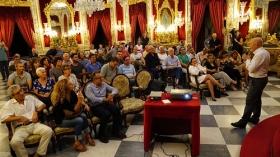 """Conferencia de Sebastián Álvaro 'Derribando mitos. Al filo de lo imposible' en Cádiz (10) • <a style=""""font-size:0.8em;"""" href=""""http://www.flickr.com/photos/129072575@N05/36875278663/"""" target=""""_blank"""">View on Flickr</a>"""